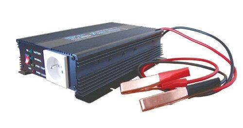 1fcab73fe29ed Menič napätia 12V/230V 600W + nabíjačka autobatérií max.3A